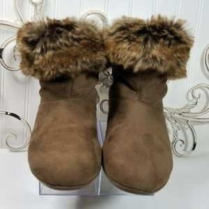 Faux Fur Lined Pull On Ankle Boots SH-0230P